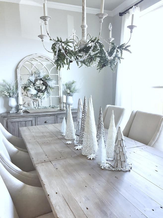 Farmhouse Christmas. Farmhouse Christmas Decor and Ideas. Farmhouse Christmas. Farmhouse Christmas. Farmhouse Christmas #FarmhouseChristmas #Farmhouse #Christmas MyTexasHouse