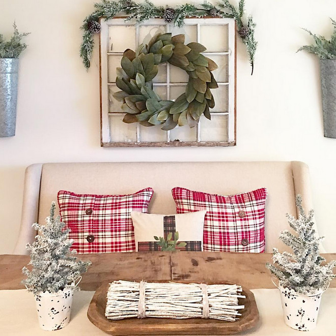 Farmhouse Christmas Dining Room Decor. Farmhouse Christmas Dining Room Decor Ideas. Farmhouse Christmas Dining Room Decor. Farmhouse Christmas Dining Room Decor #FarmhouseChristmas #ChristmasDiningRoomDecor Aly McDaniel via Instagram @thedowntownaly