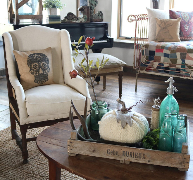 Farmhouse coffee table decor. Farmhouse coffee table decor ideas. Easy, rustic Farmhouse coffee table decor #Farmhousecoffeetabledecor #Farmhousecoffeetabledecorideas #easyFarmhousecoffeetabledecor Home Bunch's Beautiful Homes of Instagram @birdie_farm