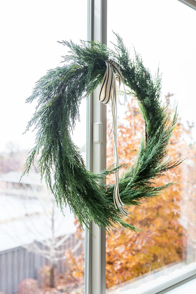Natural Christmas Wreath. Simple Natural Christmas Wreath. Natural Christmas Wreath. Natural Christmas Wreath #NaturalChristmasWreath #SimpleNaturalChristmasWreath #NaturalWreath #ChristmasWreath Studio McGee