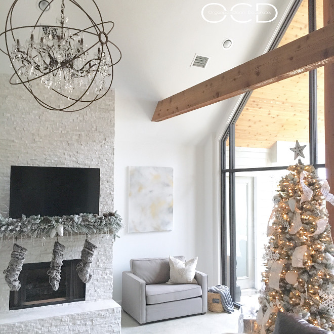 Pure White by Sherwin Williams. Pure White by Sherwin Williams. Wall color is Sherwin Williams SW7006 Extra White. Beams are cedar stained. White paint color Pure White by Sherwin Williams #PureWhiteSherwinWilliams #SherwinWilliamsSW7006ExtraWhite Beautiful Homes of Instagram organizecleandecorate