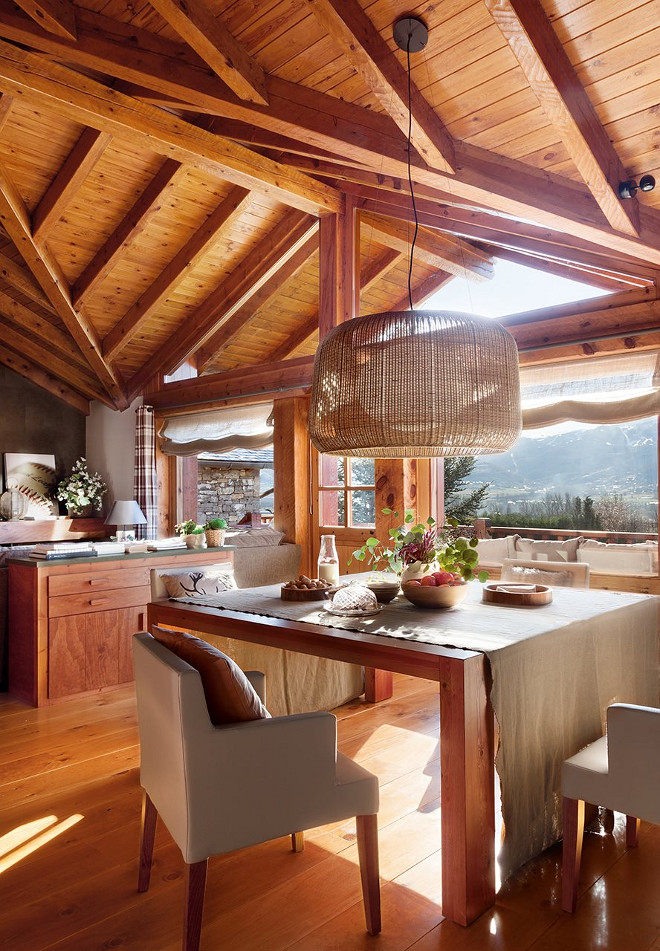 Architectural Rustic Wood Kitchen. El mueble