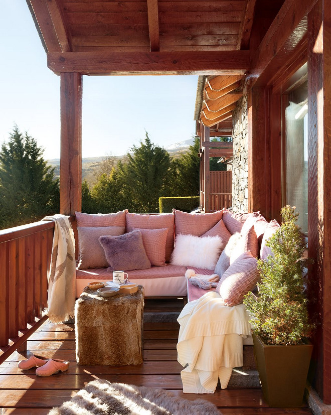 Rustic Porch. Rustic Porch. Small Rustic Porch. Rustic Porch design and Ideas. #RusticPorch #smallRusticPorch #RusticPorchideas #RusticPorchdesign Via El Mueble