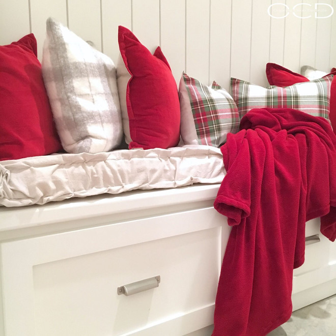 Mudroom. Mudroom Bench. Mudroom Bench Pillows. Mudroom #Mudroom Beautiful Homes of Instagram organizecleandecorate