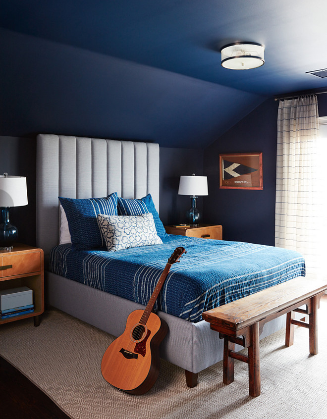 Benjamin Moore 2061-10 Deep Royal. Navy paint color Benjamin Moore 2061-10 Deep Royal. Benjamin Moore 2061-10 Deep Royal #BenjaminMoore206110DeepRoyal #BenjaminMooreDeepRoyal #BenjaminMoore206110