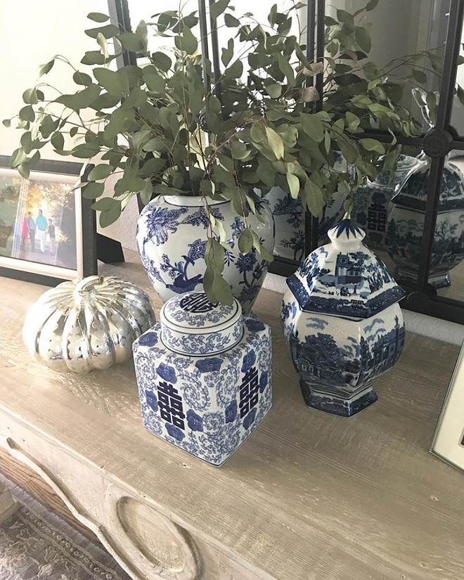 Blue and white Ginger jars. Blue and white Ginger jars. Blue and white. Blue and white Ginger jars #Blueandwhite #BlueandwhiteGingerjars #Gingerjars Beautiful Homes of Instagram: classicstylehome