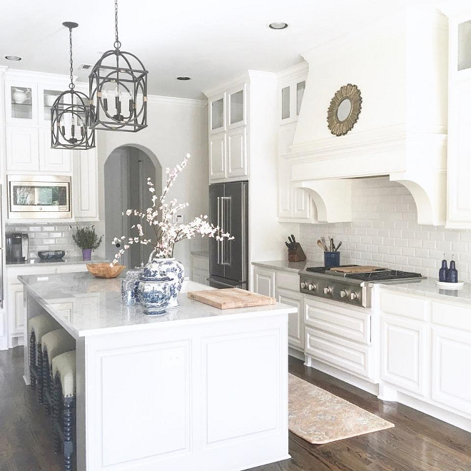 Instagram Farmhouse Kitchen. Farmhouse Kitchen. White Farmhouse Kitchen from instagram. Instagram Farmhouse Kitchen #FarmhouseKitchen #Instagram #InstagramKitchen #InstagramFarmhouse #InstagramFarmhouseKitchen Beautiful Homes of Instagram: classicstylehome