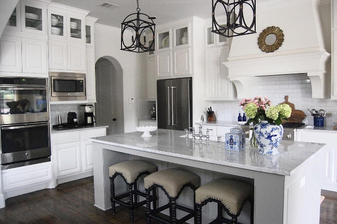 Kitchen. White Farmhouse Kitchen Kitchen. White Farmhouse Kitchen ideas. Kitchen. White Farmhouse Kitchen #Kitchen #WhiteFarmhouseKitchen #Farmhousekitchen #whitekitchen Beautiful Homes of Instagram: classicstylehome