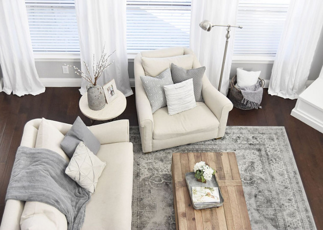 Living room furniture. Living room sofa. Living room chair. Living room #Livingroom #LivingroomFurniture #LivingroomSofa #LivingroomChair Home Bunch's Beautiful Homes of Instagram Pillow Thought