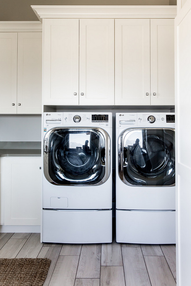 Side by side washer dryer. Side by side washer dryer. Laundry room with side by side washer dryer #Sidebysidewasherdryer Timberidge Custom Homes