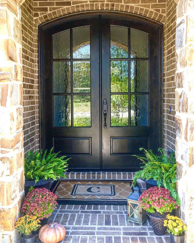 Stained Wood Front Door. The wood front door features an ebony stain color. Dark Stained Wood Front Door. Stained Wood Front Door Color. Dark Stained Wood Front Door Color #StainedwoodDoor #woodDoor #stainedwoodDoor #Woodfrontdoor #darkwooddoor Beautiful Homes of Instagram: classicstylehome