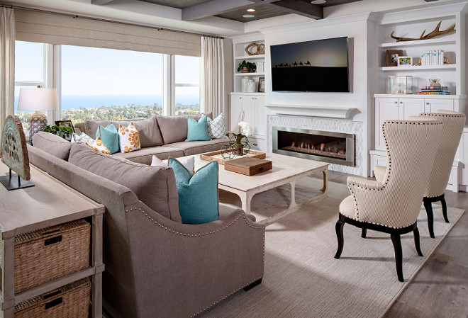 Tailored Family Room. This family room does not compromise on style. It's comfortable, inviting yet tailored. #Familyroom #tailoredfamilyroom #tailoredinteriors Tracy Lynn Studio.