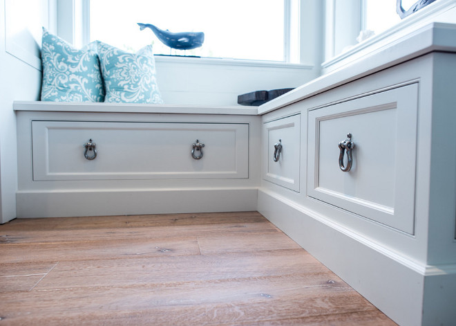 Window seat drawers. Window seat with drawers. Window seat with easy reachable storage - drawers. #Windowseatdrawers #Windowseatwithdrawers #Windowseat #easyreachablestorage #drawers Waterview Kitchens