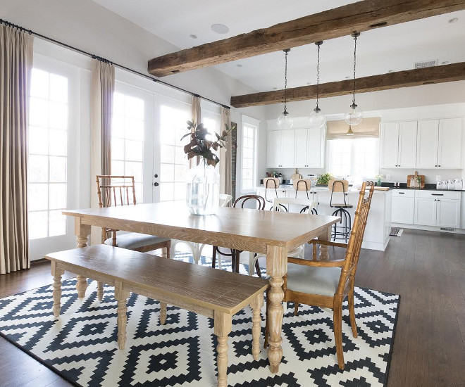 Crisp Farmhouse Kitchen and Dining Room Design. Open, moder Farmhouse Kitchen and Dining Room Design. Crisp Farmhouse Kitchen and Dining Room Design #CrispFarmhouseKitchen #FarmhouseDiningRoomDesign #Farmhousedeign #ModernFarmhouse Beautiful Homes of Instagram @greensprucedesigns