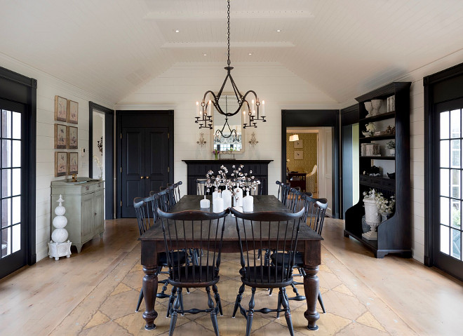 Farmhouse dining room. Farmhouse dining room design. Farmhouse dining room ideas. Farmhouse dining room. Farmhouse dining room  #Farmhousediningroom #Farmhouse #diningroom Home Bunch's Beautiful Homes of Instagram @loveyourperch