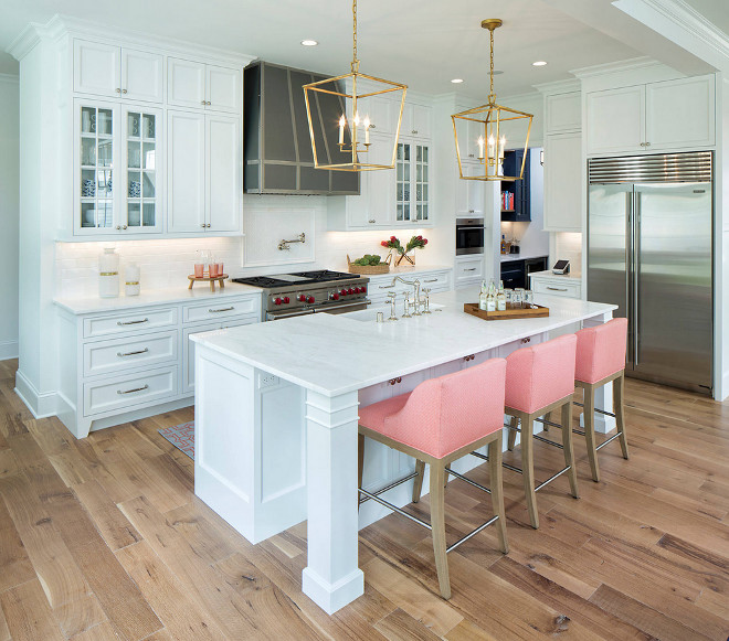 Kitchen Hardwood Floor. Kitchen Hardwood Flooring. White Oak Kitchen Hardwood Floor. White Oak Hardwood Flooring #KitchenHardwoodFloor #WhiteoakKitchenHardwoodFloor #WhiteoakKitchenHardwoodFlooring Martha O'Hara Interiors. John Kraemer & Sons