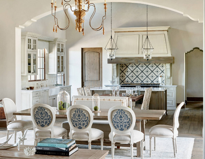 Off white French Kitchen,Off white French Kitchen, Ivory French Kitchen, Ivory White Kitchen #OffwhiteFrenchKitchen #whiteFrenchKitchen #IvorywhiteFrenchKitchen #IvoryFrenchKitchen PHX Architecture. Kim Scodro Interiors.