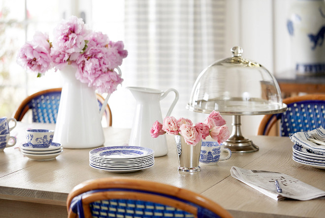 Table decor. Table decor. Fast and ensy table styling ideas. Table styling #tabledecor #tablestyling Andrew Howard Interior Design