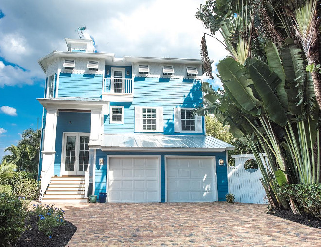 Turquoise Florida Beach House Paint Color. Clearest Ocean Blue 2064-40 by Benjamin Moore. Turquoise Beach House Paint Color. #TurquoiseFloridaBeachHousePaintColor #TurquoiseBeachHousePaintColor #ClearestOceanBlueBenjaminMoore Waterview Kitchens