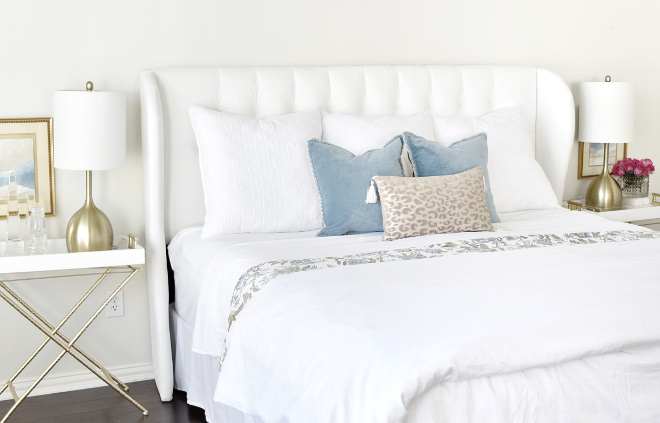 White Bedding, White bedding styling, White bedding pillows #whitebedding Beautiful Homes of Instagram @thriftyniftynest