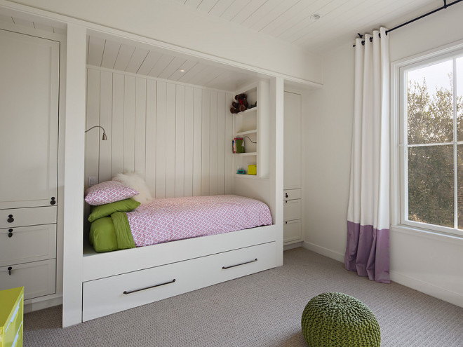 Built in trundle bed with vertical shiplap and wardrobe built in on the sides. Kids Built in trundle bed with vertical shiplap and built-in wardrobes on the sides. Built in trundle bed with vertical shiplap and wardrobe built in on the sides #Builtin #trundlebed #verticalshiplap #shiplap #wardrobe #builtinwardrobe