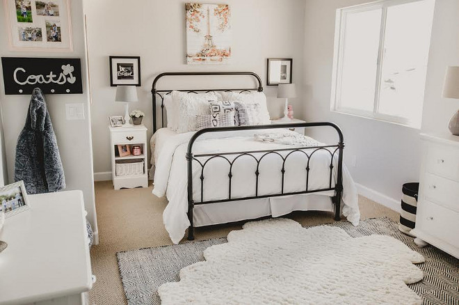 Farmhouse Kids Bedroom, Farmhouse Kids Bedroom, Neutral Farmhouse Kids Bedroom #FarmhouseKidsBedroom Beautiful Homes of Instagram @house.becomes.home