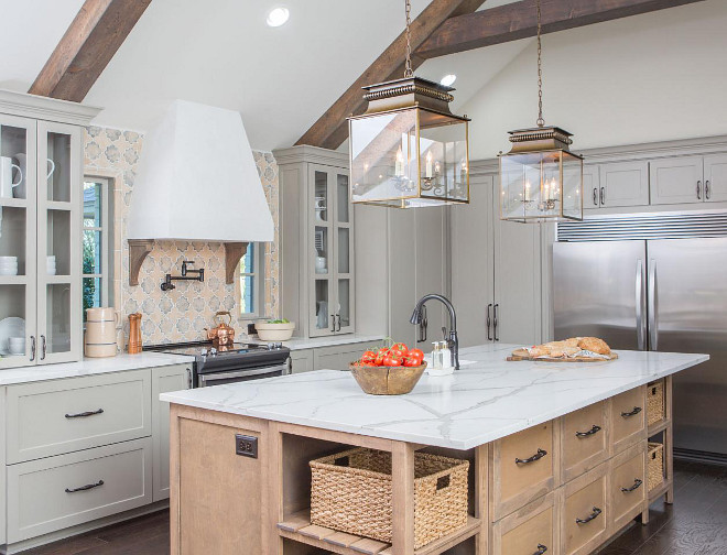 Fixer Upper Kitchen Reno. HGTV's Fixer Upper Kitchen Reno. Fixer Upper Show Kitchen Reno. Joanna Gaines and Chipper Gaines Fixer Upper Farmhouse Kitchen #FixerUpperKitchen #FixerUpperKitchenReno #HGTVFixerUpper #KitchenReno #Farmhousekitchen #FixerUpperShow #Kitchen #Reno #JoannaGaines #ChipperGaines #FixerUpperFarmhouse #FarmhouseKitchens