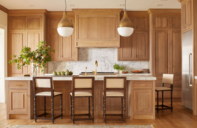 gorgeous home with quarter sawn white oak kitchen home bunch rh homebunch com quarter sawn oak cabinets kitchens stock amish quarter sawn oak kitchen cabinets