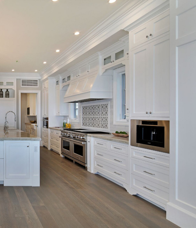 Will White Kitchen Cabinets Stay In Style: White Cape Cod Beach House Design
