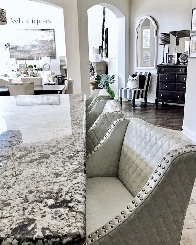 White Springs Granite. Countertop is White Springs Granite. White Springs Granite. White Springs Granite. White Springs Granite #WhiteSpringsGranite #Granite #Countertop Beautiful Homes of Instagram @whistiques