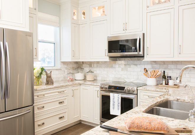 Affordable kitchen bathroom reno ideas home bunch for Benjamin moore linen white kitchen cabinets