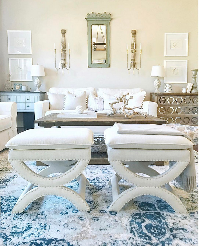 Blue and white rug. Rug is from Amazon. Stools from Safavieh #blueandwhiterug #rug Beautiful Homes of Instagram @sugarcolorinteriors