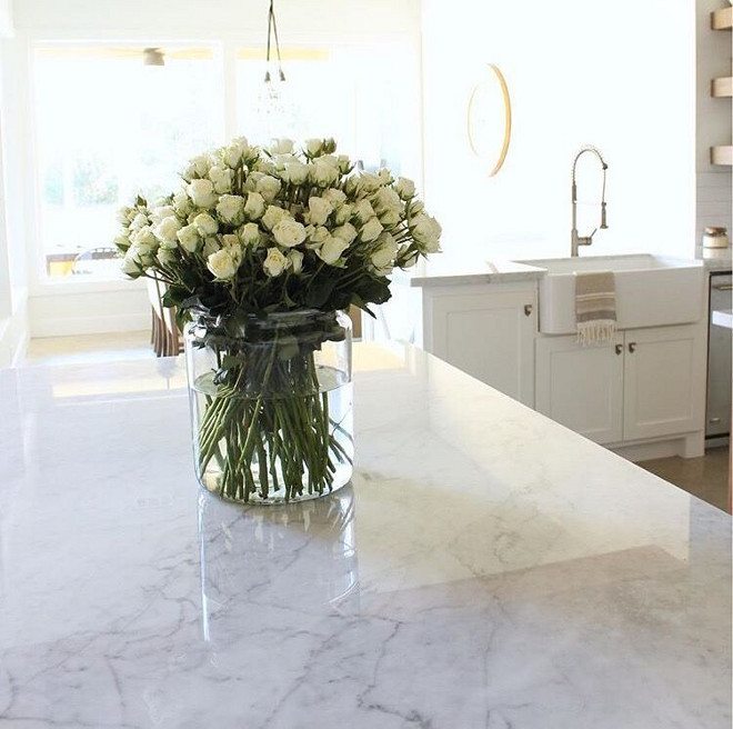Carrara marble countertop. Kitchen with Carrara marble. Carrara marble is the most popular white marble. Polished Carrara marble. #Carraramarble #Carraramarblecountertop Beautiful Homes of Instagram @organizecleandecorate