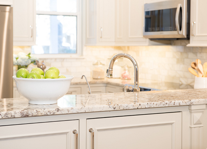 Cream kitchen cabinets. Cream kitchen cabinets with granite countertop. Cream kitchen cabinets. Cream kitchen cabinets #Creamkitchencabinets Karr Bick