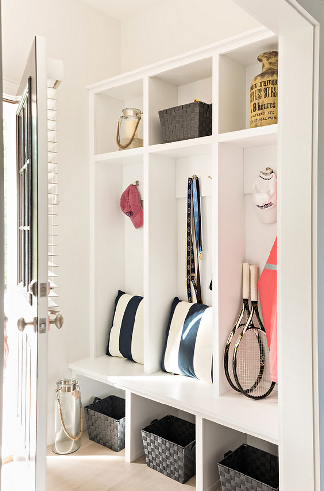 Easy Mudroom Layout. Easy and affordable mudroom cabinet ideas #EasyMudroomLayout #MudroomIdeas #affordablemudroomcabinet #Mudroom Gable Building Corp.