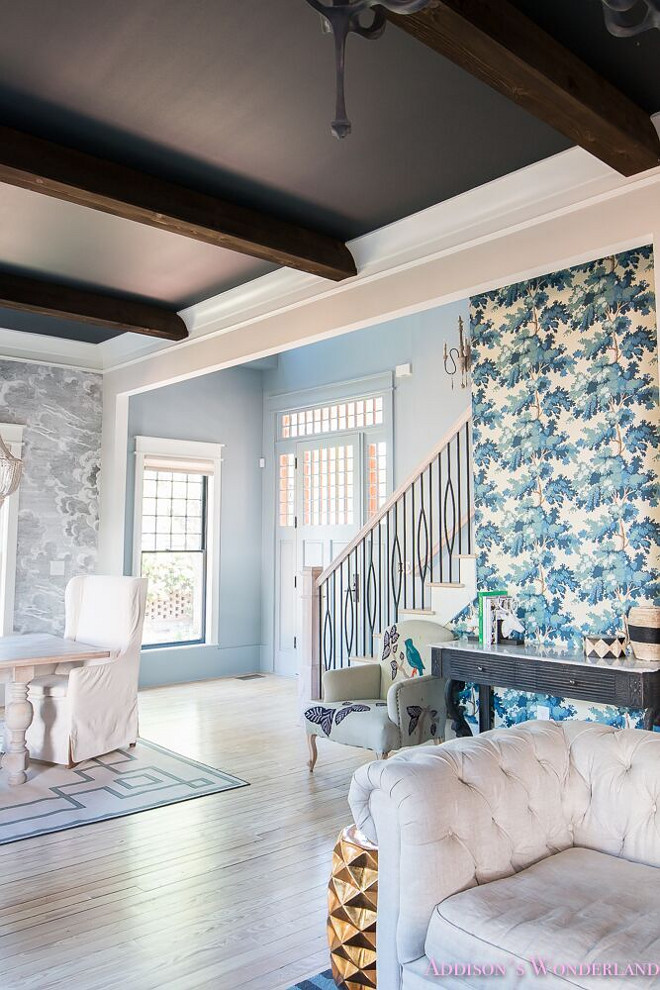 Inkwell by Sherwin Williams. Inkwell by Sherwin Williams. Paint Color: Walls: Gossamer Veil by Sherwin Williams. Ceiling- Inkwell by Sherwin Williams. Inkwell by Sherwin Williams #InkwellbySherwinWilliams Home Bunch's Beautiful Homes of Instagram @addisonswonderland