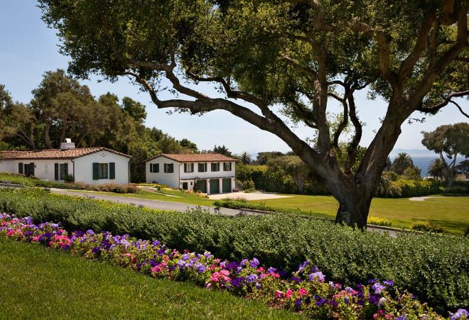 Santa Barbara Home Exterior. Santa Barbara Home Exterior. Oak Trees #oaktree #oaktrees #SantaBarbara #SantaBarbaraHomes #HomeExterior Van Wicklen Design