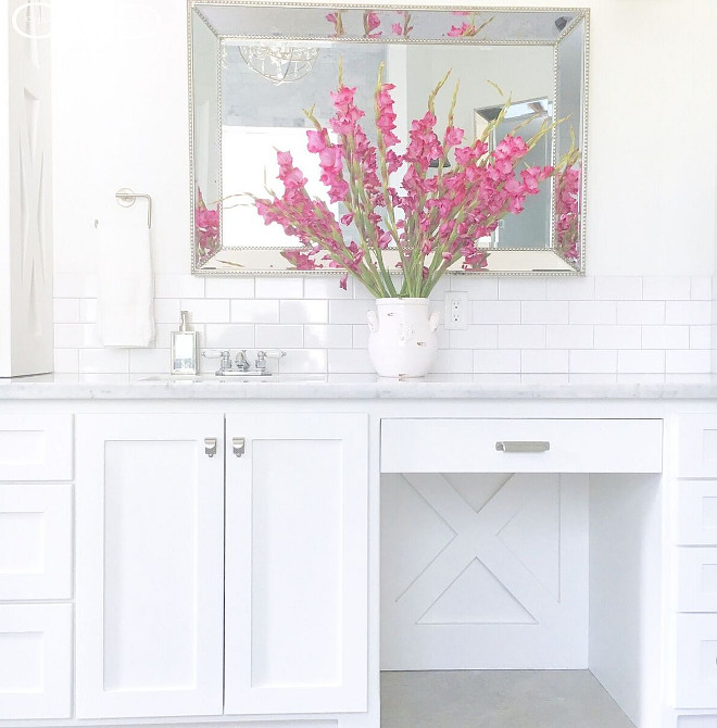 Sherwin Williams Extra White. Crisp White Cabinet Paint Color. This is one of the best crisp, clean white paint color for cabinets and trim Sherwin Williams Extra White #SherwinWilliamsExtraWhite #crispwhite #paintcolor Beautiful Homes of Instagram @organizecleandecorate
