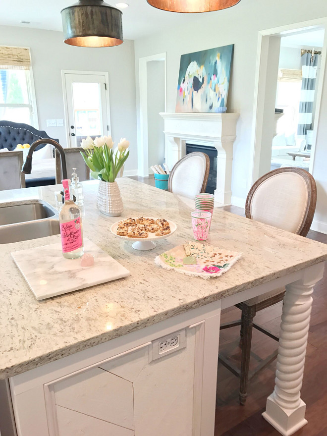 Silver Sea Granite Countertop. Silver Sea Granite Countertop. Silver Sea Granite Countertop. Silver Sea Granite Countertop. #SilverSeaGranite #Countertop #Granite #GraniteCountertop Beautiful Homes of Instagram @sugarcolorinteriors
