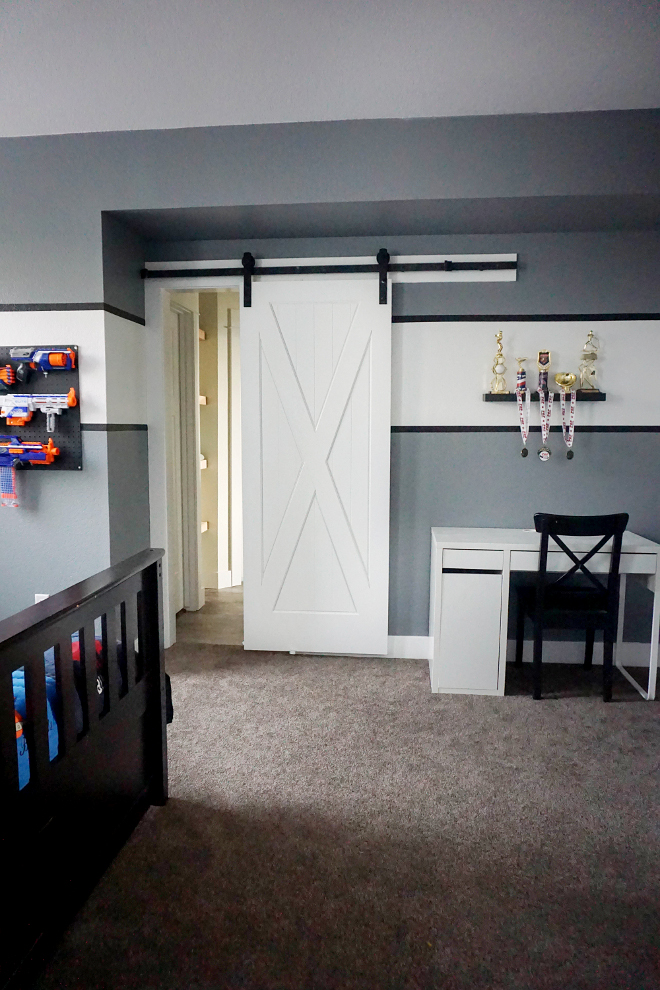 Barn Door Kids bedroom. Kids bedroom with barn door. #Bardoor #kidsbedroom Home Bunch's Beautiful Homes of Instagram @household no.6