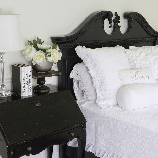 Black and White Bedroom. Farmhouse bedroom with black and white theme. The bedroom is decorated in a very clean black and white theme. Black and white farmhouse bedroom #blackandwhite #blackandwhiteinteriors #blackandwhitebedroom #farmhouse #farmhousebedroom #blackandwhitetheme Beautiful Homes of Instagram @SanctuaryHomeDecor