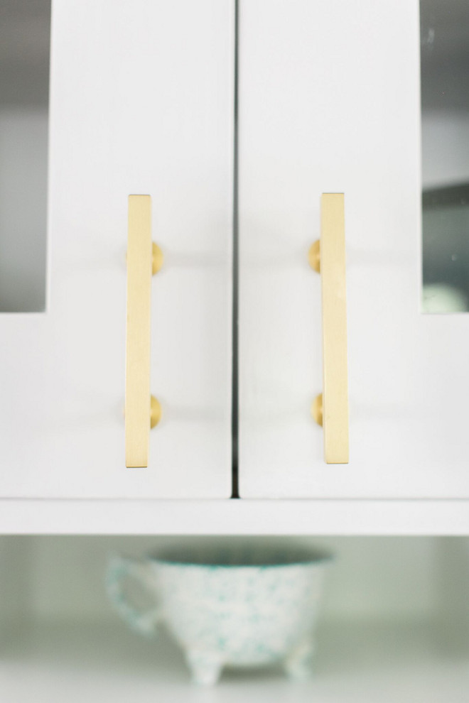 "Brass Cabinet Pulls. Affordable Brushed Brass. Lewis 3"" bar pull from my knobs. Pulls Afordable brass hardware Affordable brass kitchen hardware #Affordablebrasshardware #brasshardware #kitchenhardware #BrassCabinetPulls #BrassPulls #CabinetPulls #BrushedBrass Home Bunch Beautiful Homes of Instagram @finding__lovely"