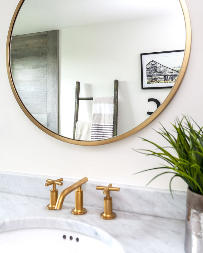 Brass Mirror. Round brass mirror. The brass mirrors are from West Elm. #brassmirror #mirror #mirrors #roundmirror #roundbrassmirror Juxtaposed Interiors