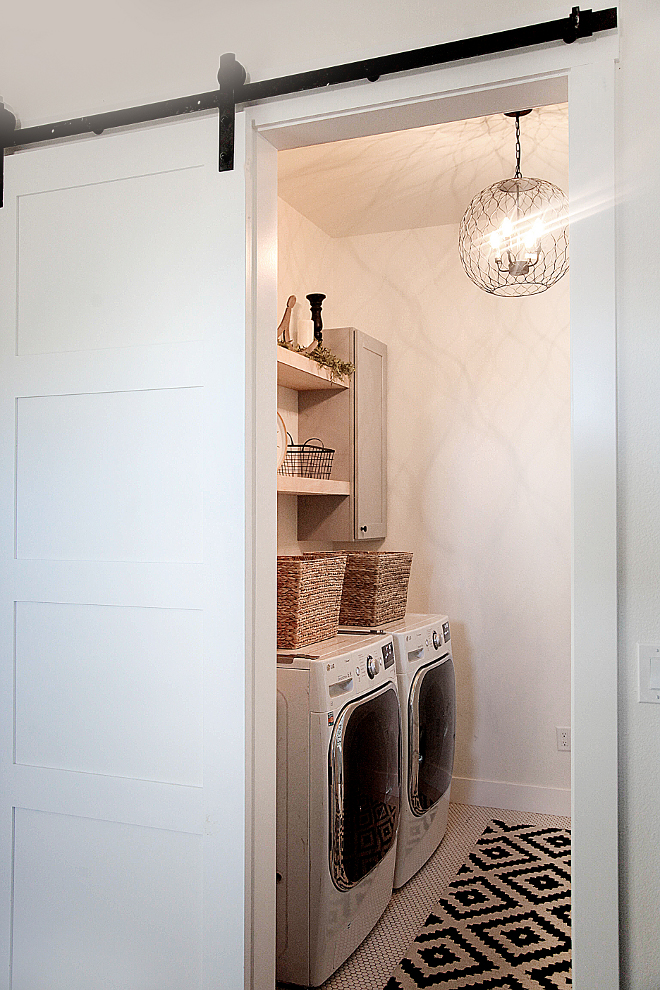 Farmhouse Laundry room with sliding barn door. Barn Door Farmhouse Laundry room. Laundry room with barn door. Farmhouse laundry room with sliding barn door. #slidingBarnDoor #Farmhouse #Laundryroom #BarnDoor #FarmhouseLaundryroom #FarmhouseLaundryroom #slidingbarndoor Home Bunch's Beautiful Homes of Instagram @household no.6
