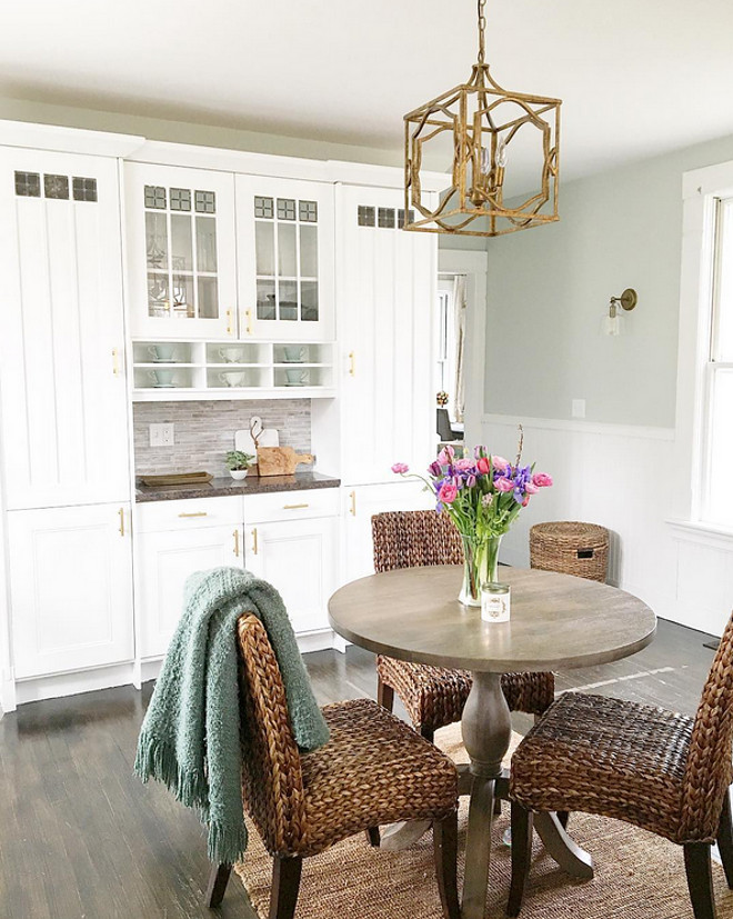 Kitchen Breakfast Room and Hutch Cabinet. Kitchen Breakfast Room and Hutch Cabinet Ideas. Kitchen Breakfast Room and Hutch Cabinet #Kitchen #BreakfastRoom #HutchCabinet. #KitchenHutchCabinet #kitchenHutch Home Bunch Beautiful Homes of Instagram @finding__lovely