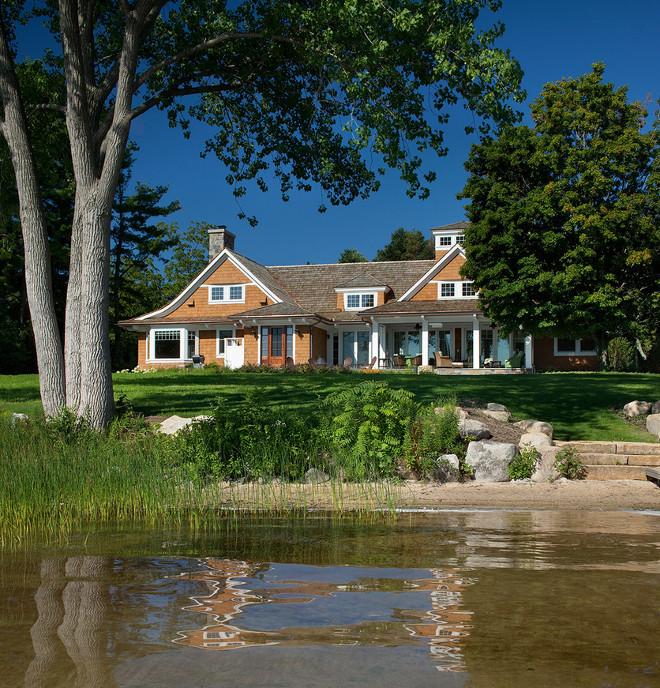 Lake House. Lake House Backyard. Lake House backyard ideas. #LakeHouse #backyard J Visser Design