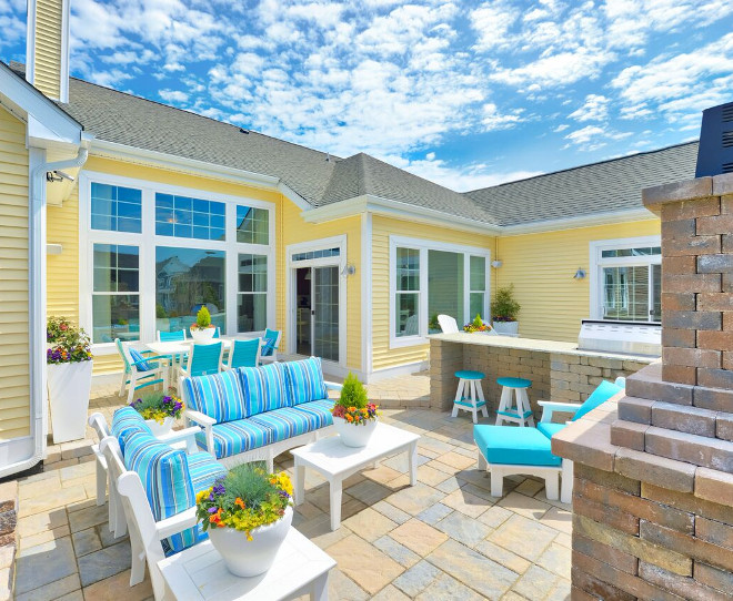 Patio Layout. Patio Layout Ideas. This well-planned patio offers three different areas; dining, lounge and outdoor kitchen. Patio Furniture Layout #PatioLayout #PatioFurnitureLayout Echelon Custom Homes