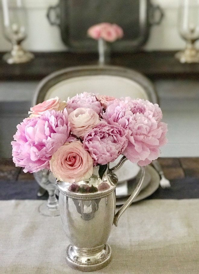 Peony Arrangment. Pink Peonies Arrangement Ideas. Floral Arrangement Ideas. Peonies Arrangement in a vintage silver vase #Peonies #PinkPeonies #PeoniesArrangement #florals #silvervase #vintagevase Beautiful Homes of Instagram @SanctuaryHomeDecor