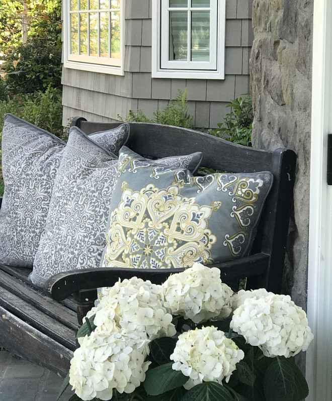 Porch Bench. Porch Bench Pillows. Porch Bench Pillow Ideas. Outdoor Pillows. Porch Bench #Porch #Bench #outdoorpillows Beautiful Homes of Instagram @SanctuaryHomeDecor