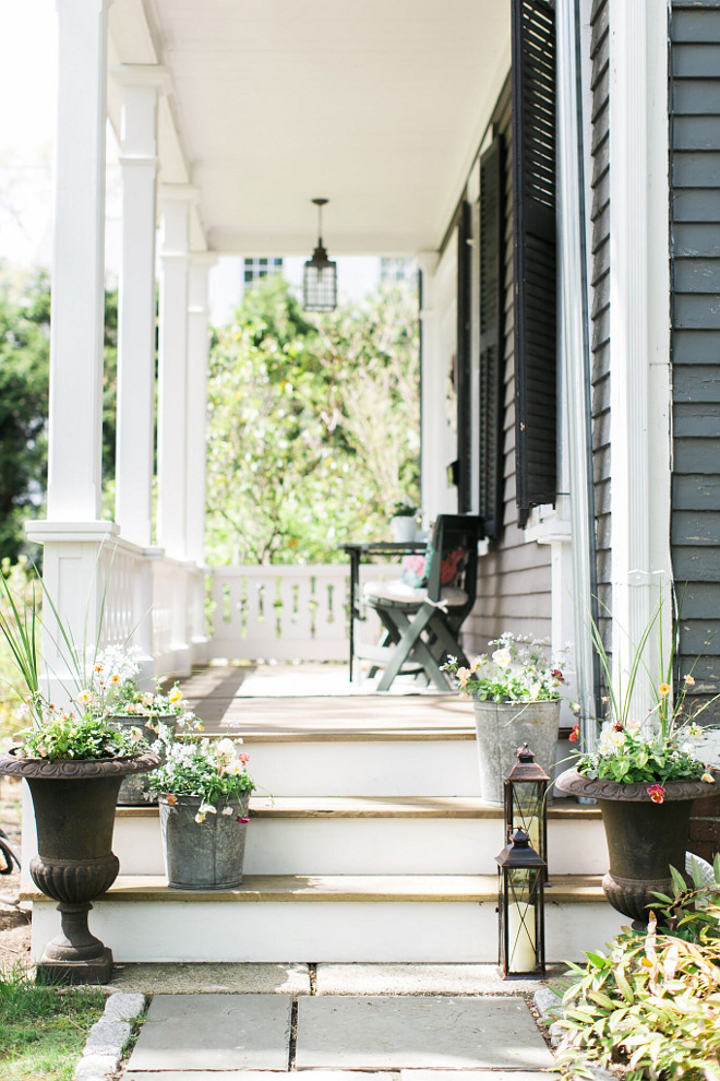 Porch Steps Decor. Farmhouse Porch steps with planters and lanterns. Porch Steps Decor. Farmhouse Porch steps with planters and lantern ideas #Porch #porchSteps #porchStepsDecor #Farmhouse #FarmhousePorch #FarmhousePorchsteps #planters #lanterns Home Bunch Beautiful Homes of Instagram @finding__lovely